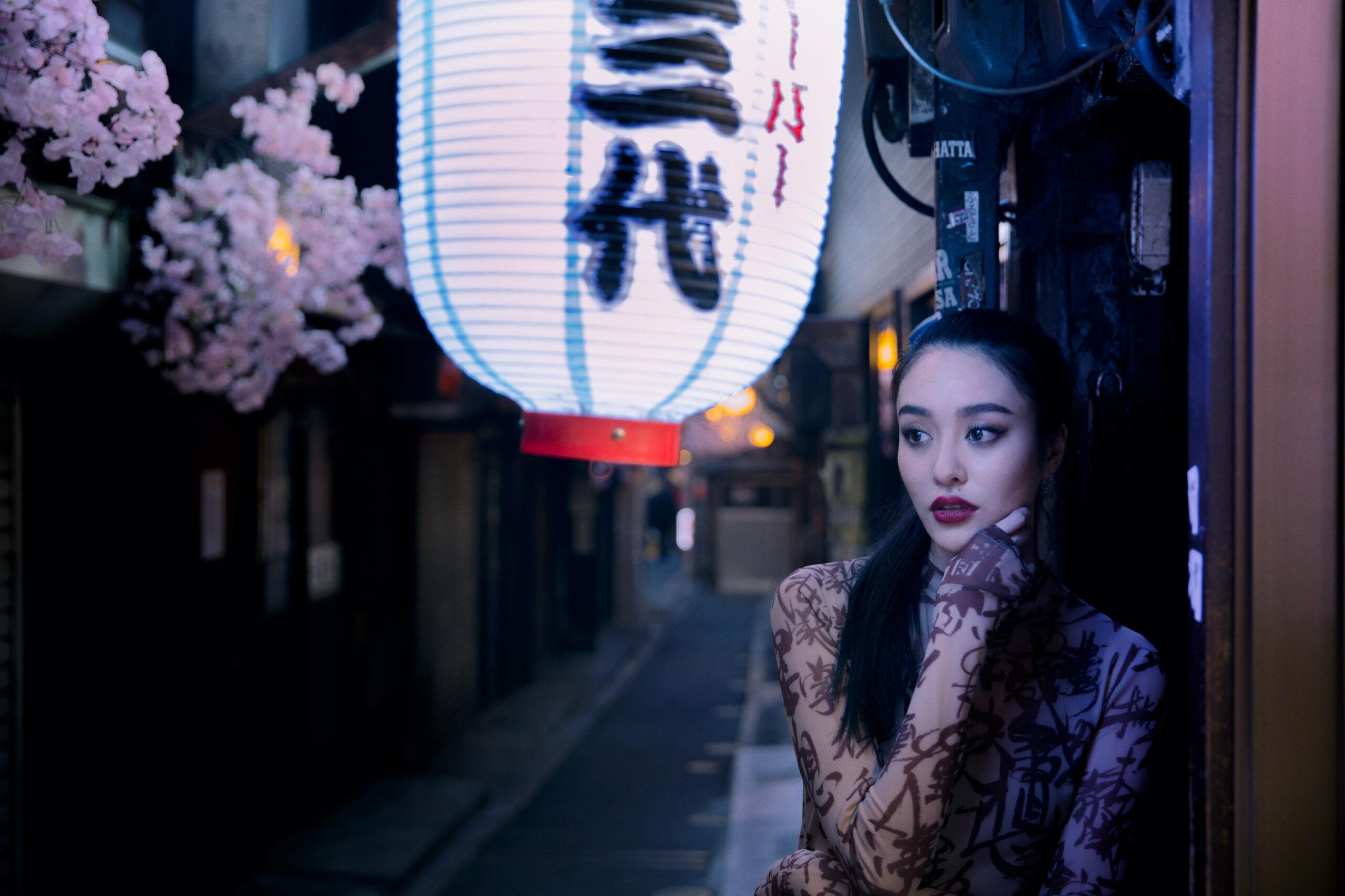 aya in tokyo alleyways
